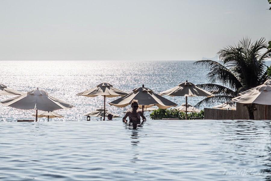 Основной бассейн rawi-warin-resort-spa