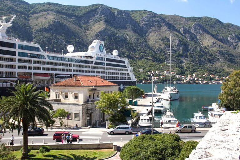 Современный порт