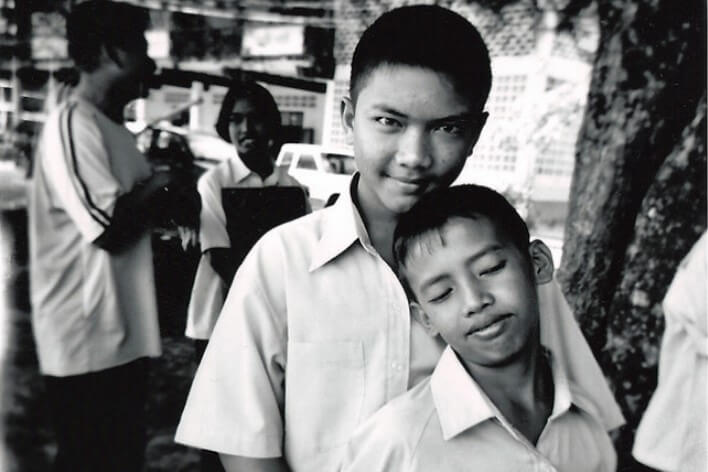 Мальчики школьники в Тае