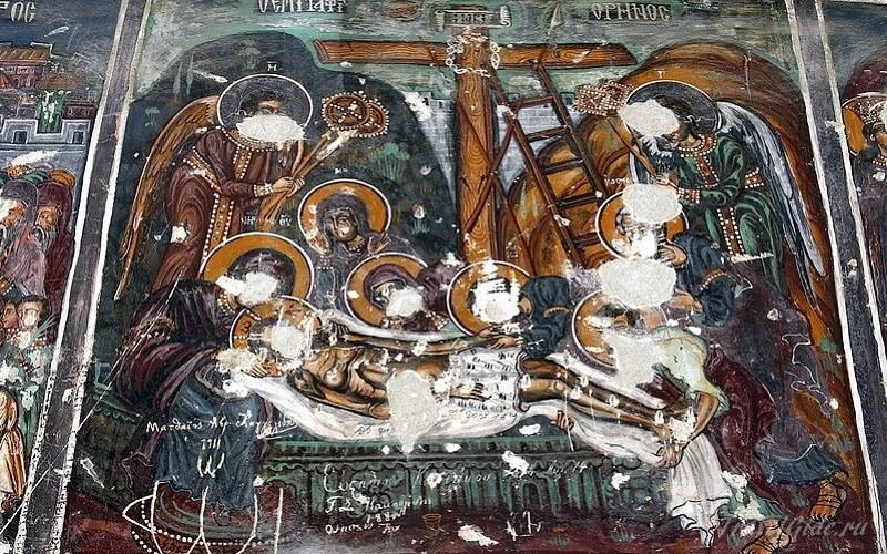 Затёртые лики на фресках