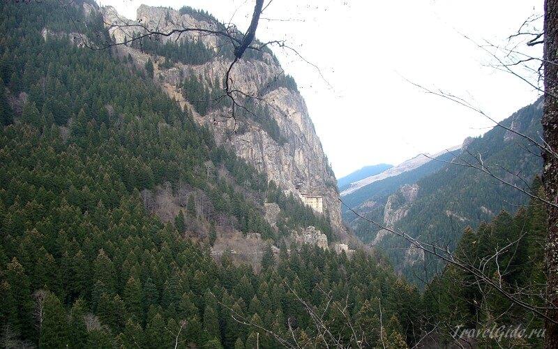 Монастырь Панагия Сумела на горе