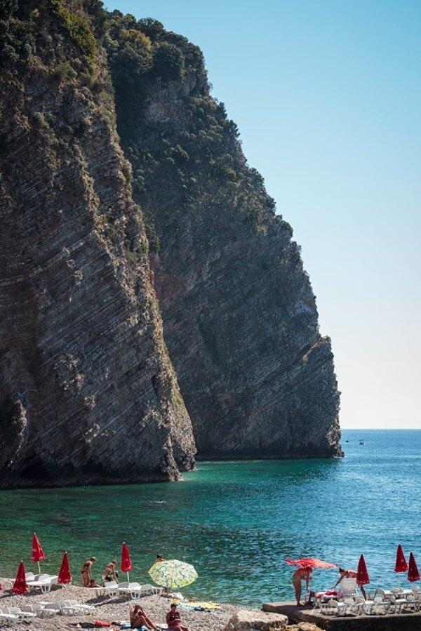 Скалы острова святого Николая