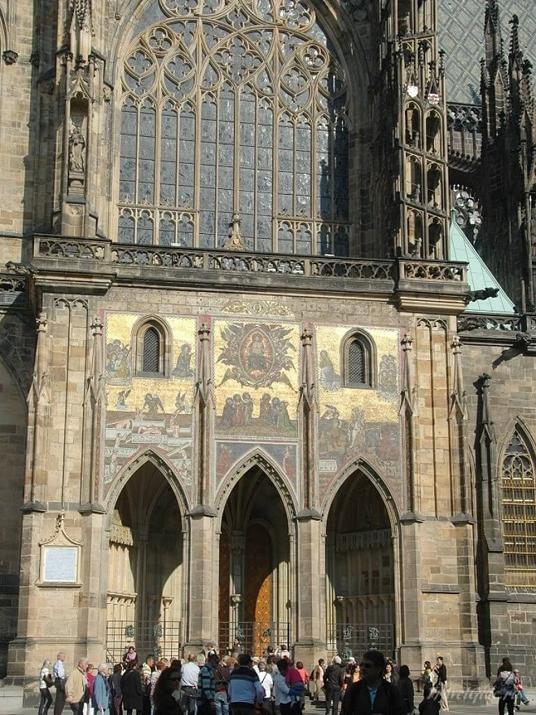 Вход St. Vitus Cathedral