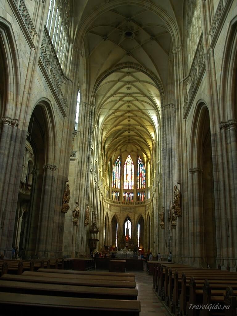 Витражами 14 века