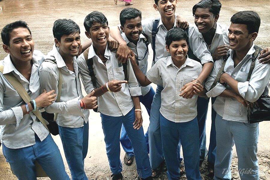 Школьники Варкалы в Индии