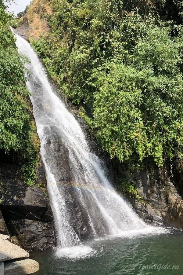 Водопад Bhagsu Nag