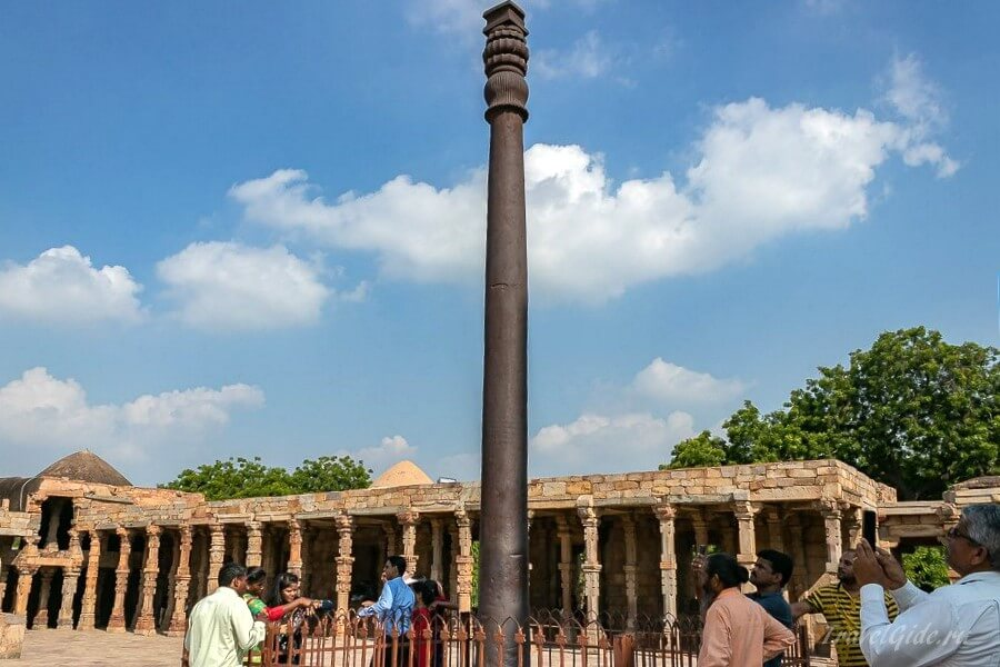 Металлический столб в Дели