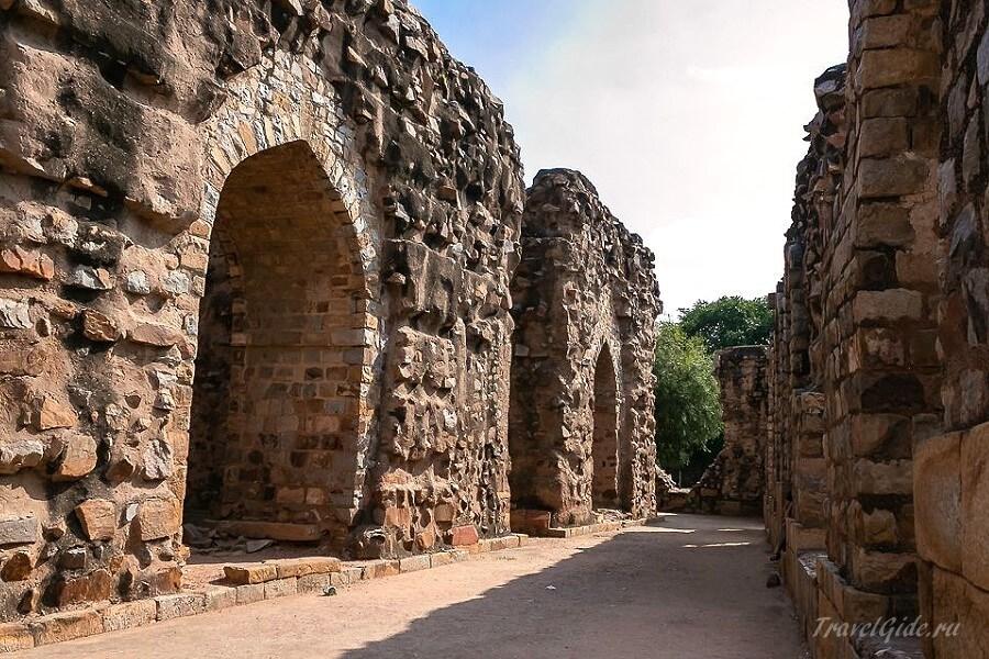 Старинные постройки в Дели