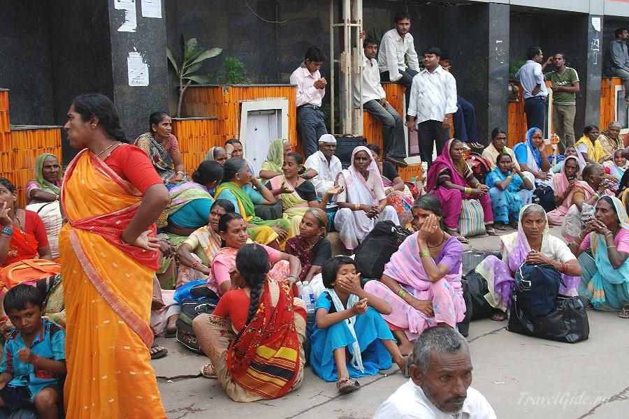 Вокзалы Индии: на перроне