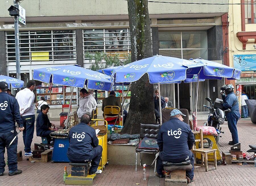 Чистильщики обуви на улицах Боготы