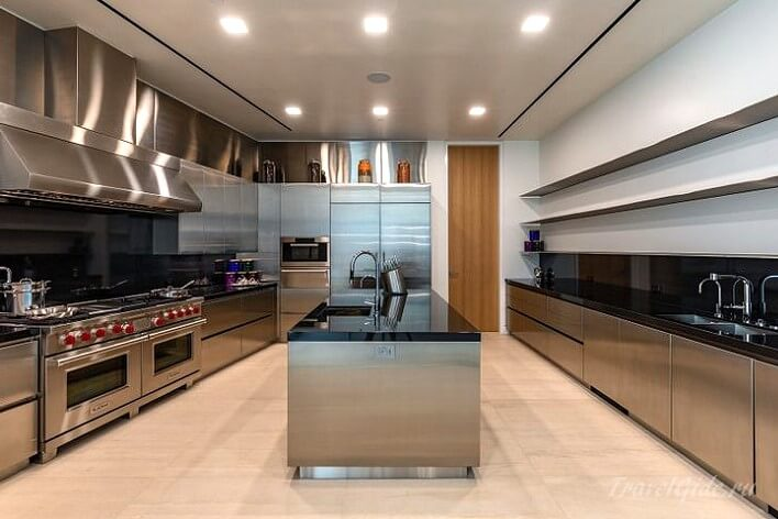 Кухня в особняке в аренду