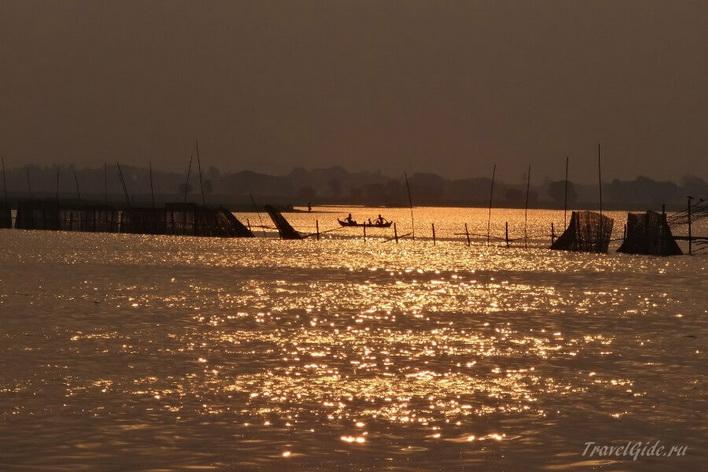 Закат в Индонезии © Travelgide.ru