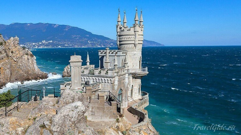 Замок – «Ласточкино гнездо» © Travelgide.ru