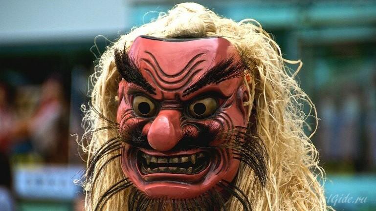 Японская классическая маска намахагэ - турист без путешествия