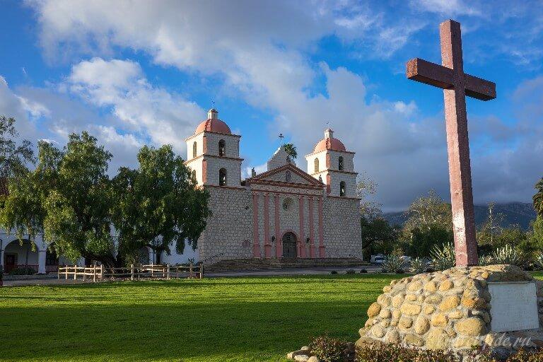 Католическая церковь Санта Барбара