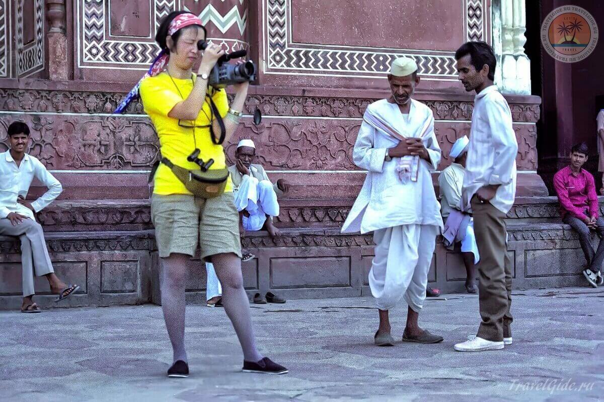 Туристка в Индии